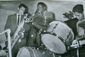 Harold with Gertze, John Makoni, Ray Hendrix 1854 CT